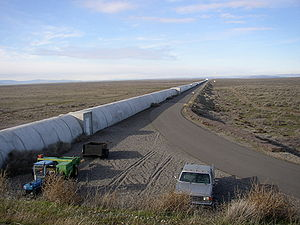 300px-Northern_leg_of_LIGO_interferometer_on_Hanford_Reservation.JPG